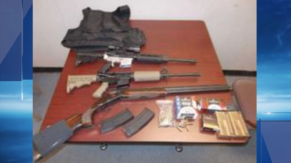 Man arrested after deputies find guns, ammunition inside