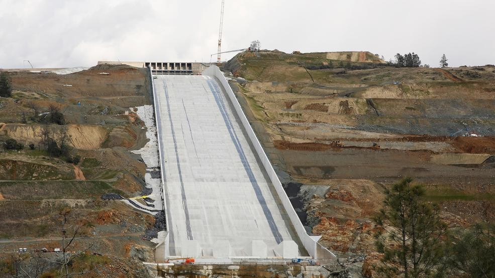 6827fa6c08b California officials say the flood-control spillway at the nation s tallest  dam is expected to be deployed as early as ...
