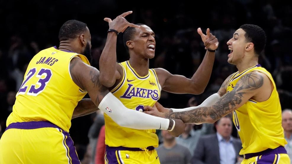 16f6716aed9d Rondo s jumper at buzzer lifts Lakers over Celtics 129-128