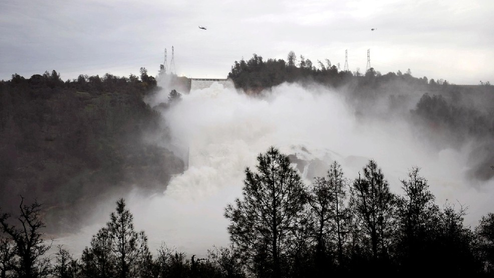 AP Exclusive: If Lake Oroville dam failed, people likely stuck | KBAK